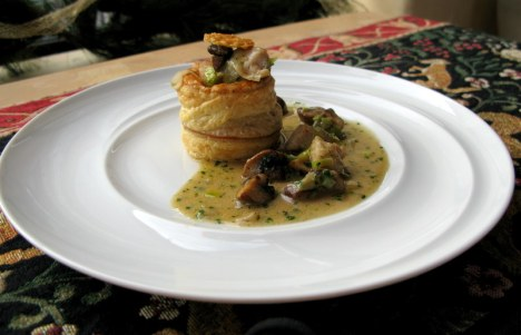 Vol au vent of veal sweetbreads, mushrooms and leeks sauce madere